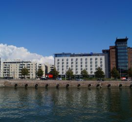 Radisson_Blu_Seaside_Hotel_-_panoramio